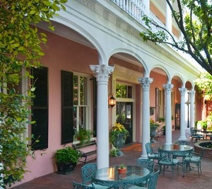 Old Charleston Walking Ghost Tour suggest The Meeting Street Inn